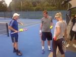 Klaarmaken voor een training met de nieuwe coach van Caroline. Samen met Mats, die zijn eerste ballen van het nieuwe jaar slaat in Sydney.